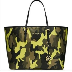 Michael Kors Bags - Limited edition camo Michael Kors LG tote 84d61a2194ee